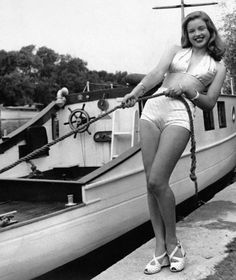 Diana Dors Diana Dors, Marilyn Monroe, Bikinis, Swimwear, Singer, Actresses, Women, Conversation, Twitter