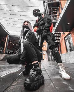 Mode Cyberpunk, Cyberpunk Fashion, Couple Outfits, Edgy Outfits, Fashion Outfits, Dark Fashion, Urban Fashion, Steampunk Fashion, Gothic Fashion