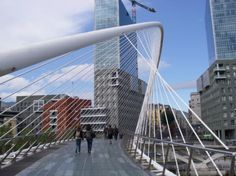 reminds me of home! Bilbao, Rickety Bridge, Spirals In Nature, Bridge Design, Pedestrian Bridge, Santiago Calatrava, Futuristic Architecture, Zaha Hadid, Countries Of The World