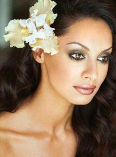 Wedding makeup for brown eyes hispanic make up 21 Ideas Wedding Makeup For Brown Eyes, Natural Wedding Makeup, Wedding Hair And Makeup, Wedding Beauty, Natural Makeup, Weeding Makeup, Dream Wedding, Make Up Looks, Gold Makeup