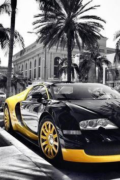 Black & Gold Bugatti Veyron #CarFlash
