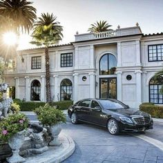dream home, luxury and architecture interior photo Classic Architecture, Interior Architecture, Architecture Apps, Neoclassical Architecture, Mercedes Maybach S600, Mercedes Benz, Maybach Car, Dream Mansion, Modern Mansion