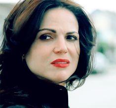 #wattpad #fanfiction E se depois de tudo a Regina desistisse do filho que ela lutou para não perder em benefício da sua amada Emma?    E se ela percebesse do sofrimento de Emma quanto a Henry e não quisesse mais magoar a sua amada?   E se Henry não soubesse pelo que Regina está a passar, e acreditar que Regina está a d...