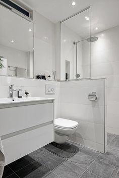 50 Beautiful Bathroom Decor and Design Ideas - We Should Do This Rental Bathroom, Bathroom Renos, Diy Bathroom Decor, Bathroom Renovations, Modern Bathtub, Modern Bathroom, Master Bathroom, Bathroom Kids, Bad Inspiration