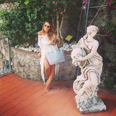 #RamonaAmodeo Ramona Amodeo: Momenti di pace! ☀️ #Thanks #shirt #copricostume #lace @giadamarina_modamare #giadamarina #giadamarinamodamare #bag @elettrastyle #elettrastyle #fashinstyle #vietrisulmare #vietri #coast #relax #girl #woman #blonde #weekend #lovely #picoftheday #bestoftheday #photooftheday #ff #followme #cute #goodmorning #mondobello #art #funny #cute #beautiful #lloydsbaiahotel