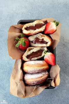 Nutella Donuts- One of the best things to ever come out of my kitchen! Tag a recovering Nutella addict to torture them 😈😂 . You can find… Snack Recipes, Dessert Recipes, Snacks, Donut Recipes, Pastry Recipes, Delicious Donuts, Yummy Food, Nutella Donuts, Doughnuts