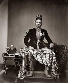 Sultan Hamangkoe Boewono VI ~ Jogjakarta ~ 1855 Hamengkubuwono VI (also spelled Hamengkubuwana VI, 1821 - 1877) was the sixth sultan of Yogyakarta, reigning from 1855 to 1877.