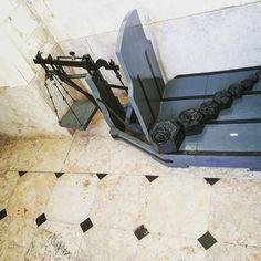 O que se pode encontrar num # farol #balança #vintage #balance #portugal