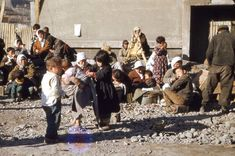 1950년 6월 25일 새벽 4시 북한 공산군이 남북군사분계선이던 38선 전역에 걸쳐 불법 남침하며 발발하여 3년 1개월간 계속된 한국 전쟁. 해방 후 5년 만에 일어난 한국전쟁의 참담함은 150만 명의 사망자, 360만 명의 부상자, 국토의 피폐화로 설명된다. 동족 상잔의 비극 한국 전쟁 발발 63주년 2013년 6월 25일. 학창시절 공부 안하고 열심히 놀았던 건 탓하지 않는데 6.25도 모르는 아가들이 있다니 말을 잇기가 힘들다. 이..