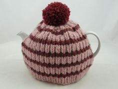 Super Chunky Tea Cosy | Knitted tea cosy | free knitting pattern | nixneedles uk