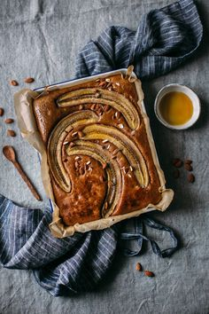 banana cake Photography - Gluten-free Banana-Nut-Butter Cake and Happy 2017 Baking Recipes, Cake Recipes, Dessert Recipes, Picnic Recipes, Baking Desserts, Cake Baking, Health Desserts, Beaux Desserts, Gluten Free Banana