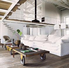 Interior design e decoration: tutte le tendenze del momento - Elle Decor Style At Home, Elle Decor, Sofa Design, Italian Home, Deco Design, Lofts, Home Decor Inspiration, Home Fashion, Home And Living