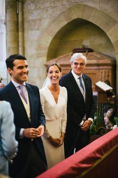 La boda de Belén y Álvaro en Córdoba Elegant Wedding, Perfect Wedding, Dream Wedding, Bridal Gowns, Wedding Dresses, Wedding Officiant, Wedding Looks, Wedding Bells, Bride Groom
