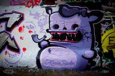 THE SMOKE - KIWIE GRAFFITI