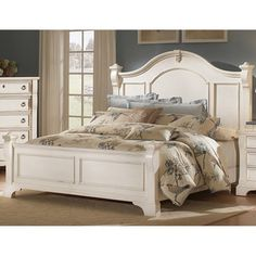 Traditions Poster Bed