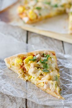 Mexican Turkey Breakfast Pizza - Taste and Tell - Black Friday Breakfast {Recipe}: Mexican Turkey Breakfast Pizza {Thanksgiving Leftovers} - Thanksgiving Leftover Recipes, Leftover Turkey Recipes, Thanksgiving Leftovers, Leftovers Recipes, Thanksgiving Stuffing, Thanksgiving Turkey, Breakfast Pizza Healthy, Best Breakfast Recipes, Breakfast Time