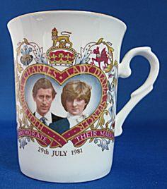 Mug Royal Wedding Charles Diana Red Ribbon Heart Plumes