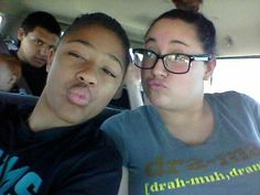 Jacobs face in the background. Lol @desireehacker