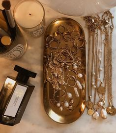 The most wonderful moisturizing face cream especially for winter and dry . - Jewelry Ideas - The most wonderful moisturizing face cream especially for winter and dry skin … - Jewelry Tray, Dainty Jewelry, Gold Jewelry, Jewelry Accessories, Beaded Jewelry, Simple Jewelry, Vintage Accessories, Jewelry Trends, Diamond Jewelry