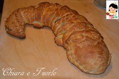 pane coccodrillo con Pasta Madre ripieno di ricotta e spinaci - crocodile bread (ricotta and spinach filled)