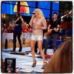 Carrie Underwood Blows NYC Away With Today Show Performance http://www.countrymusicrocks.net/2012/08/carrie-underwood-blows-nyc-away-with-today-show-performance.html#