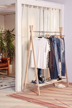 Slide View: 1: Warwick Clothing Rack