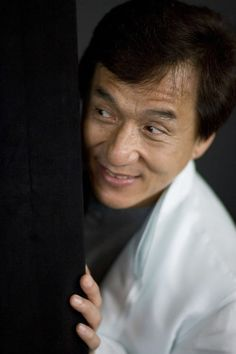Peek a boo Martial Arts Movies, Martial Artists, Jackie Chan Movies, Funny Dragon, Chinese Martial Arts, Executive Producer, Bruce Lee, Peek A Boos, Great Movies
