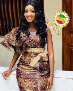 Short African Dresses, African Wedding Dress, African Fashion Dresses, Fashion Outfits, Lace Dress Styles, Ankara Dress Styles, Mode Rihanna, African Print Skirt, Christian Clothing