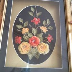 This Pin was discovered by can Nylon Flowers, Diy Flowers, Cross Stitch Flowers, Decorative Plates, Canning, Frame, Home Decor, Salons, Ribbons