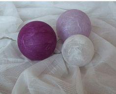 Leuchtkugeln lila, flieder, weiß, Dekokugeln  von Bastelkiste auf DaWanda.com