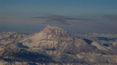 https://flic.kr/p/BTA8XV | #Chile : Volcán Llullaillaco (6739mts) y sus nubes lenticulares | Llullaillaco volcano and lenticular clouds°° #チリ  Lluillaillaco 火山とそのレンチキュラー雲。