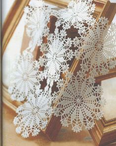 Crochet ideas that you'll love Crochet Lace Edging, Cute Crochet, Easy Crochet, Lace Doilies, Crochet Doilies, Doily Patterns, Crochet Patterns, African Flowers, Crochet Home Decor