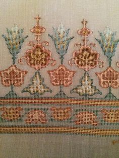 Russian Cross Stitch, Cross Stitch Rose, Cross Stitch Borders, Cross Stitch Flowers, Cross Stitch Designs, Cross Stitching, Cross Stitch Patterns, Sashiko Embroidery, Cross Stitch Embroidery