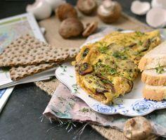 Het recept voor een omelet bomvol champignons en kaas. Binnen een kwartier zet je deze heerlijke, gezonde omelet al op tafel. Smullen! Food To Go, Food And Drink, Boat Food, Lunch To Go, Frittata, Vegan Recipes, Clean Eating, Brunch, Bread