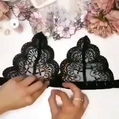 Dress Sewing Tutorials, Dress Sewing Patterns, Sewing Hacks, Diy Clothes Design, Diy Bralette, Crochet Bolero, Diy Fashion Hacks, Costura Fashion, Sewing Lingerie