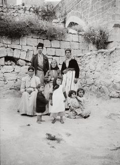 Native Family: Nazareth, Palestine Palestine never existed? Palestine History, Israel Palestine, Jewish History, Palestine People, Old Pictures, Old Photos, Terra Santa, Naher Osten, Arab World