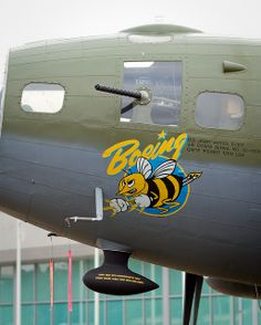 """B-17F Flying Fortress - """"Boeing Bee""""."""