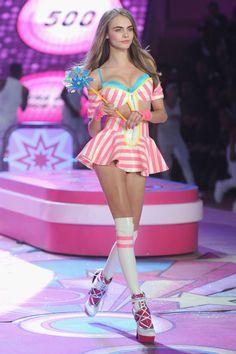Asi fue el desfile de Victoria´s Secret 2012 en Nueva York: Cara Delevingne