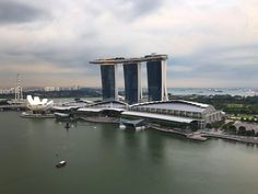 What ya think? It has become Singapore icon. Have a great Wednesday. #exploresingapore #beyondsingapore #singaporeinsiders #singapore #travelblogger #personaltravelplanner http://ift.tt/2slOnGc
