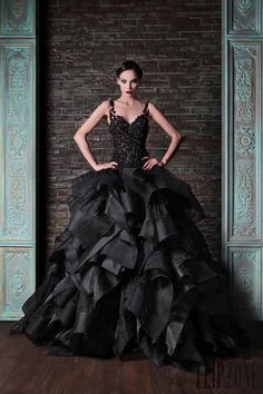 """bethrevis: """" you could kill a man in any of these dresses, and pretty sure no jury would convict you. those are killing-men dresses, that's what i'm saying """" Holy fuck"""
