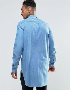 Imagen 2 de Camisa vaquera muy larga con cuello mini y lavado medio de ASOS
