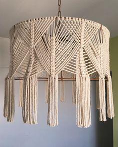 Macrame Design, Macrame Art, Macrame Projects, Macrame Knots, Cortina Boho, Bohemian Lamp, Macrame Curtain, Micro Macramé, Macrame Patterns