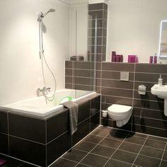 Brown tiled bathroom - idea for tiling for bathroom