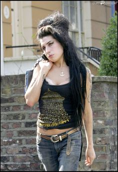 Amy Pic Posting for Fun! - Page 914 - Anything Amy Amy Winehouse, Beautiful Soul, Beautiful People, Amazing Amy, Jackson, Retro Pop, Girls Rules, Star Wars, Her Music