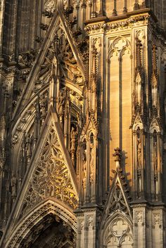 Cologne Cathedral | West front at sunset by Paul Dykes, via Flickr