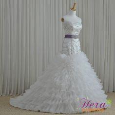 Luxury Royal Sweetheart Chapel Train Wedding Dress
