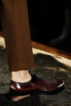 See detail photos for Berluti Fall 2016 Menswear collection.