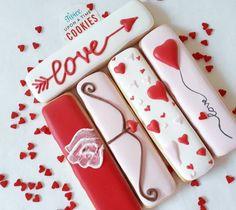 Our Favorite Valentine's Day Cookies in - B. Lovely Events - love these thin valentine's day cookie! -See more of our favorite valentine's day cookies of 20 - Cookies Cupcake, Valentine's Day Sugar Cookies, Galletas Cookies, Cookie Frosting, Fancy Cookies, Iced Cookies, Cute Cookies, Cupcakes, Valentines Baking