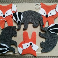 Just listed this new fox and badger garland Projects For Kids, Craft Projects, Crafts For Kids, Arts And Crafts, Felt Garland, Felt Ornaments, Gruffalo Party, Felt Keyring, Sewing Crafts
