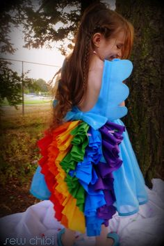 sew chibi: the rainbow dash dress! I would have loved a Firefly version of this when I was a kid. My Little Pony Birthday Party, 5th Birthday Party Ideas, Girl Birthday, Birthday Parties, My Little Pony Dress, My Lil Pony, Rainbow Dash Party, Diy Costumes, Halloween Costumes